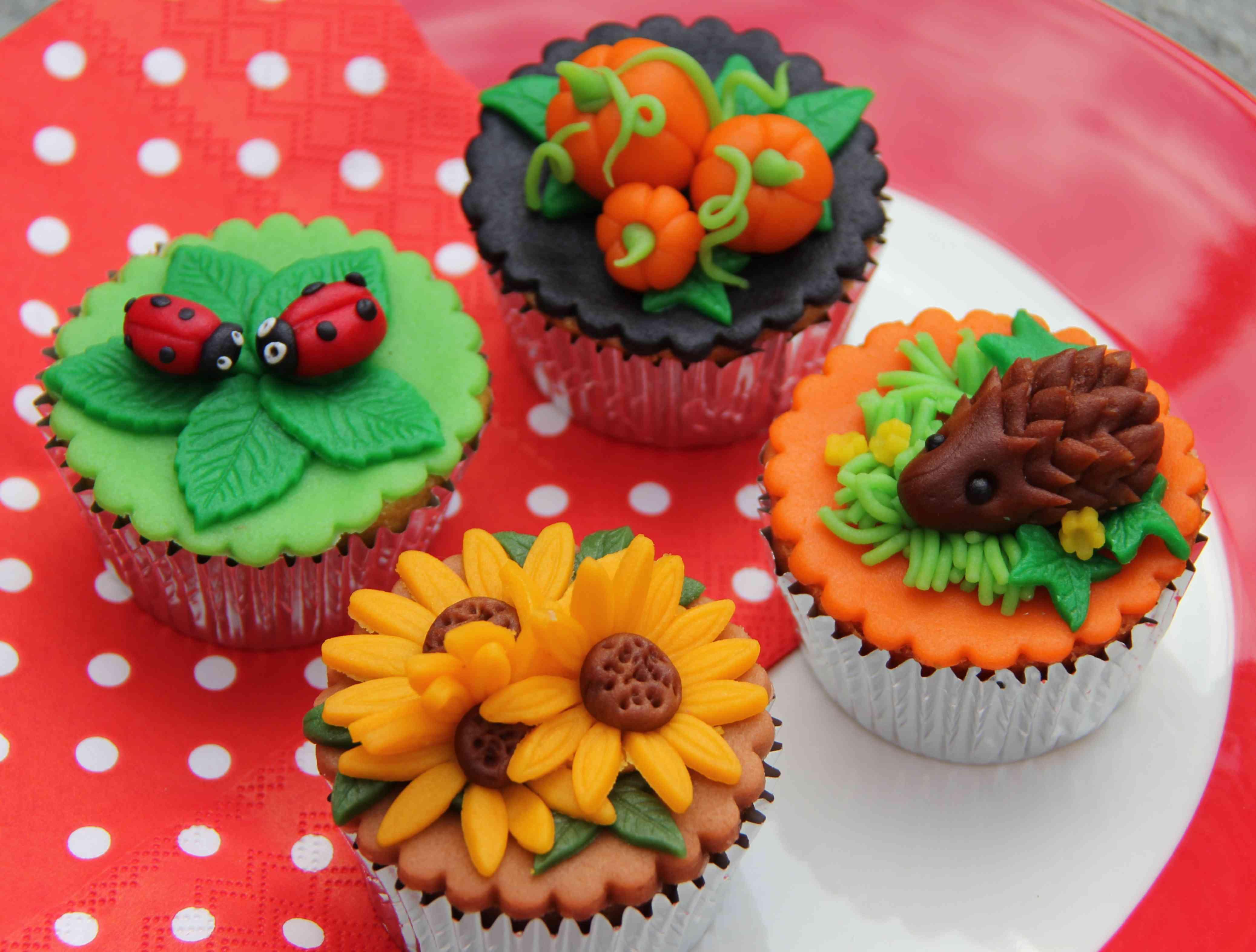 cupcakes versieren met cake ideas and designs. Black Bedroom Furniture Sets. Home Design Ideas
